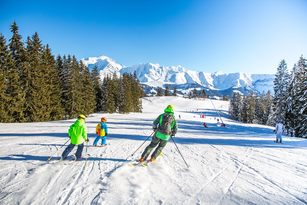 """Featured image for """"5 Reasons to go spring skiing"""""""