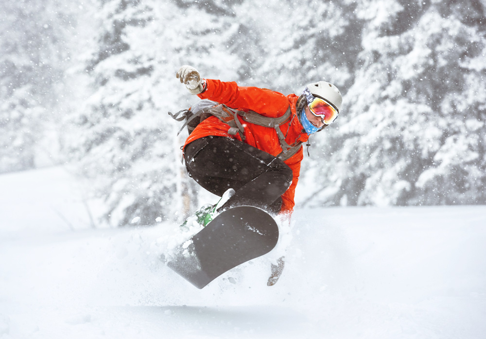 """Featured image for """"How to choose your basic snowboarding gear"""""""